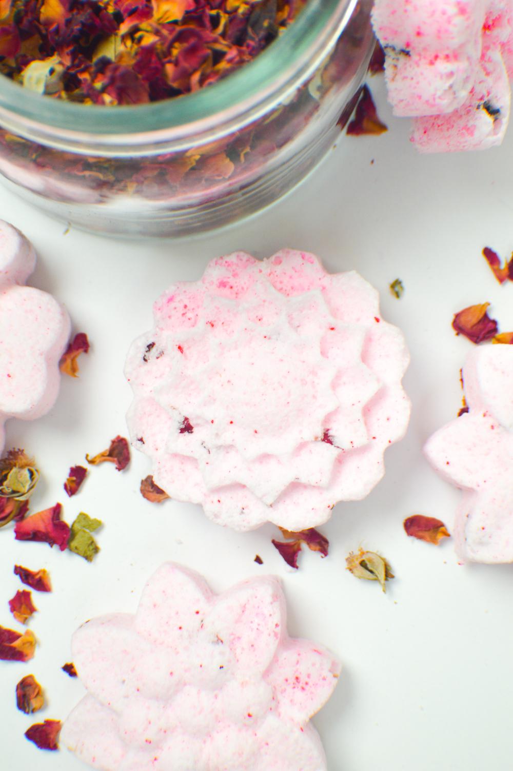 DIY Floral Bath Bombs | www.clubcrafted.com
