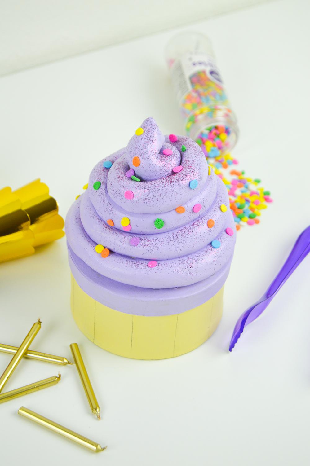 DIY Cupcake Gift Box   www.clubcrafted.com