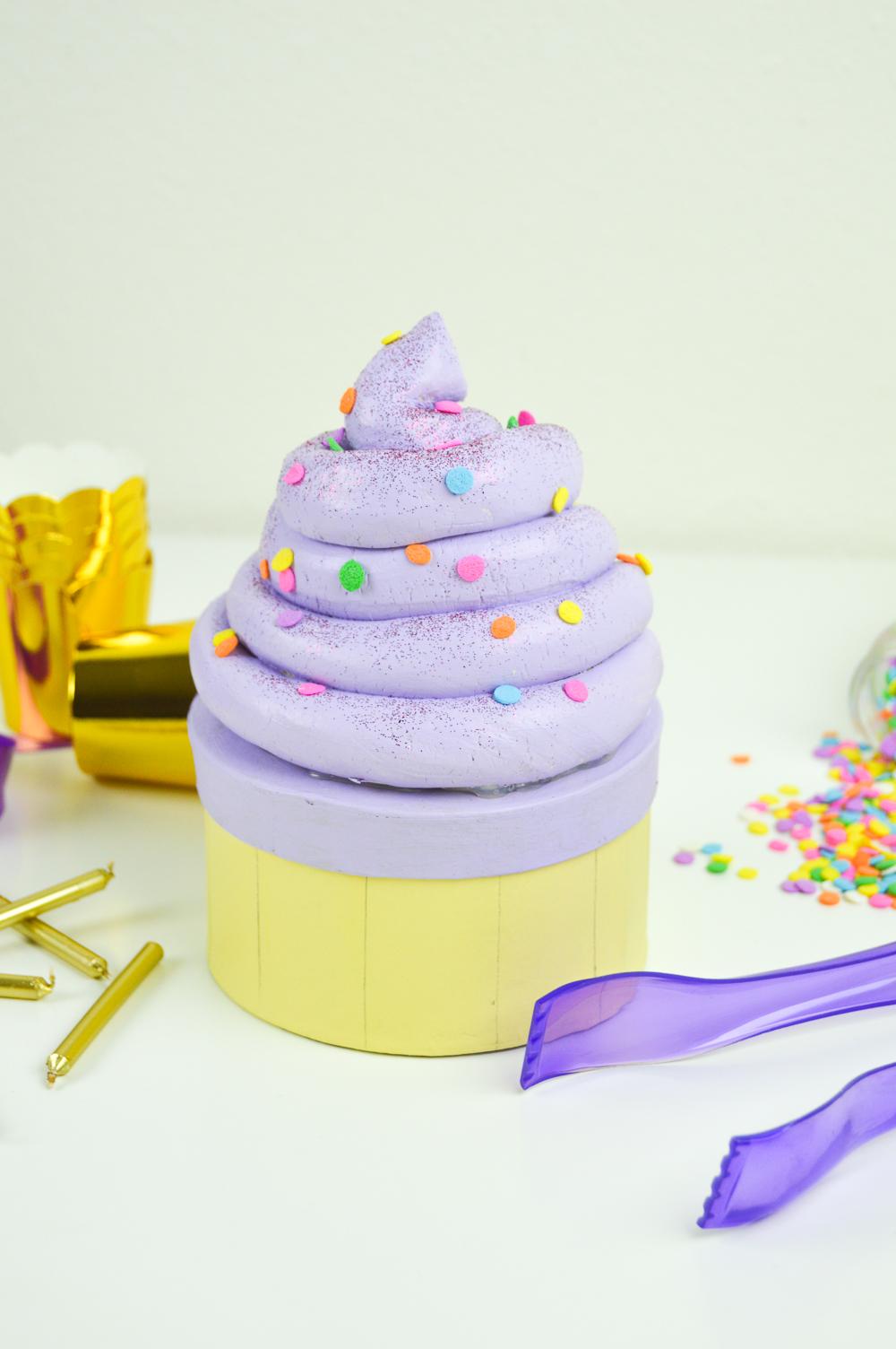 DIY Cupcake Gift Box