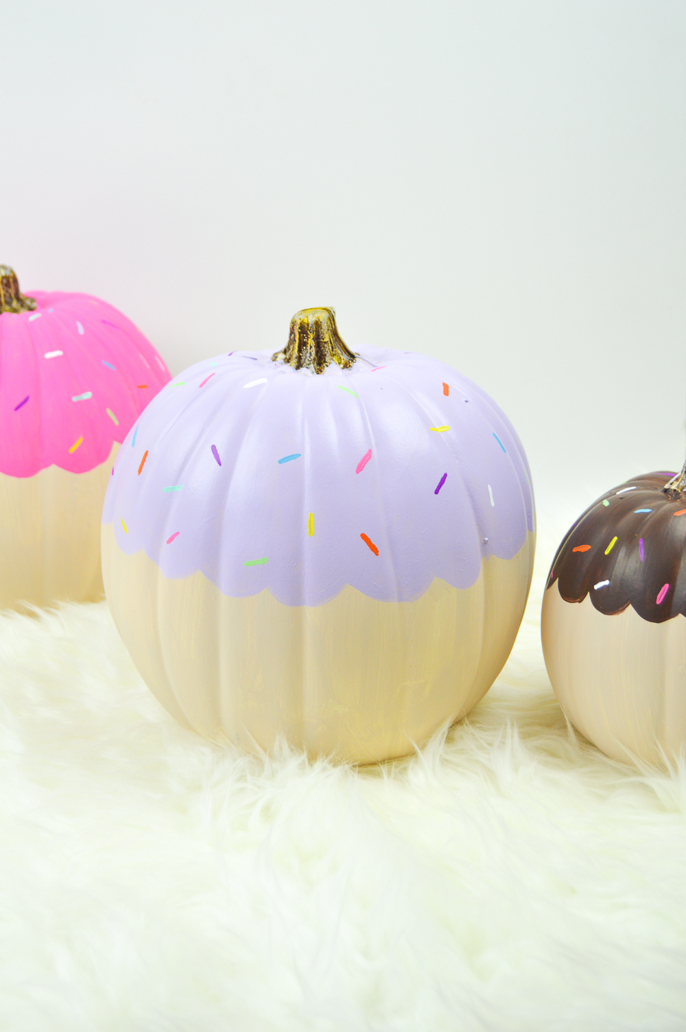 DIY Cupcake Pumpkin Decorations | Club Crafted