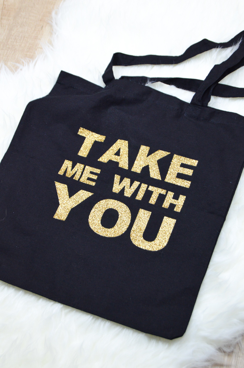 DIY Glittery Graphic Tote Bag | www.clubcrafted.com