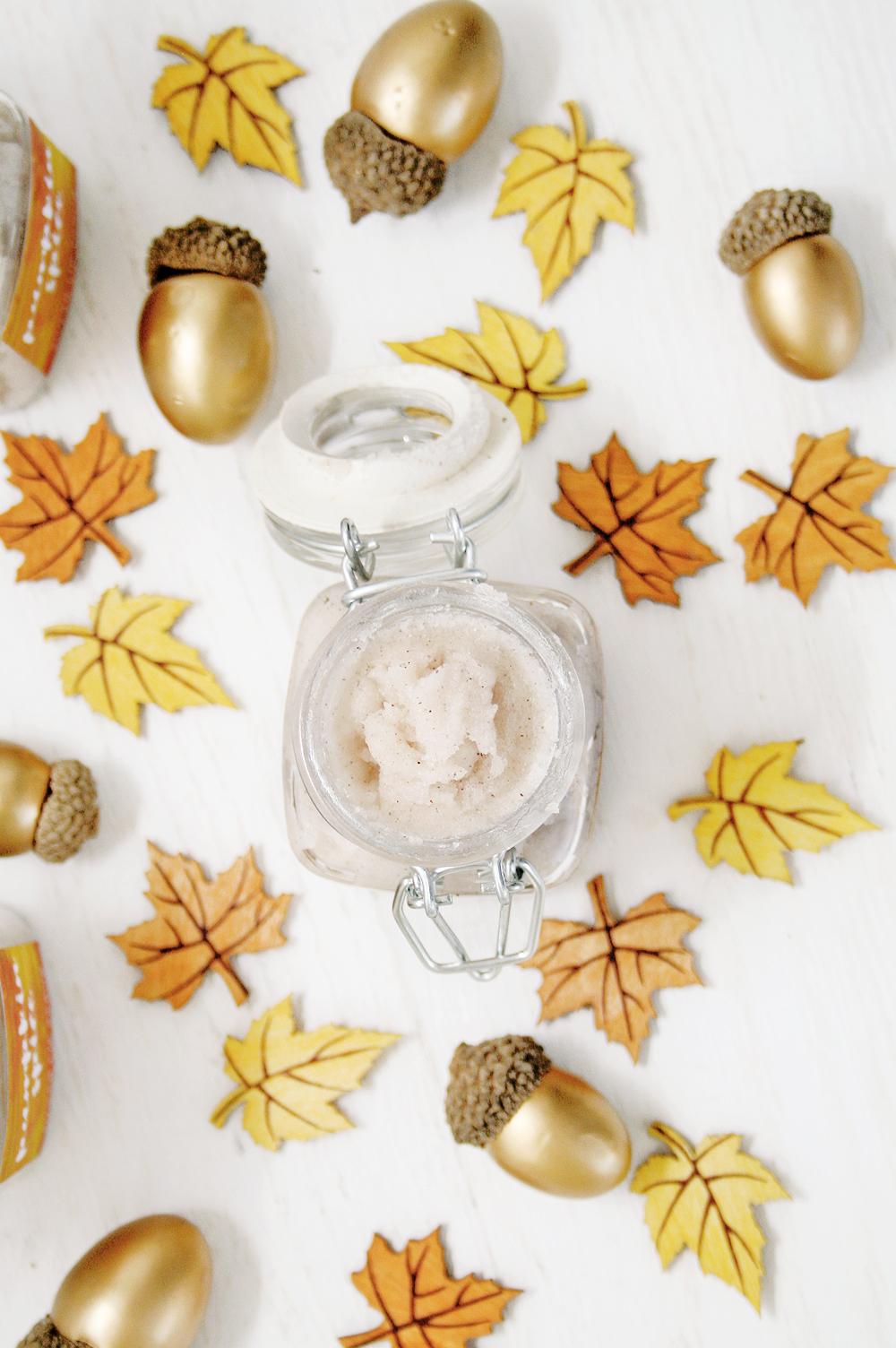 DIY Pumpkin Spice Sugar Lip Scrub | Club Crafted