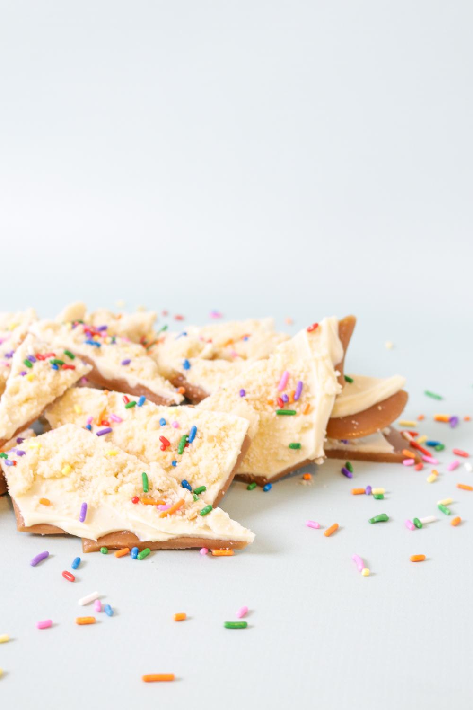 Sugar Cookie Toffee Recipe | Club Crafted