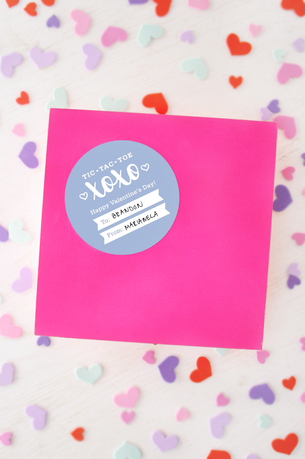 Valentine's Day: DIY Chocolate Tic-Tac-Toe Gift Box + Printable Label   Club Crafted