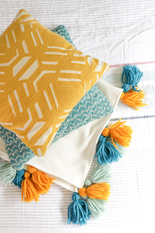 diy fleece tassel blanket club crafted. Black Bedroom Furniture Sets. Home Design Ideas