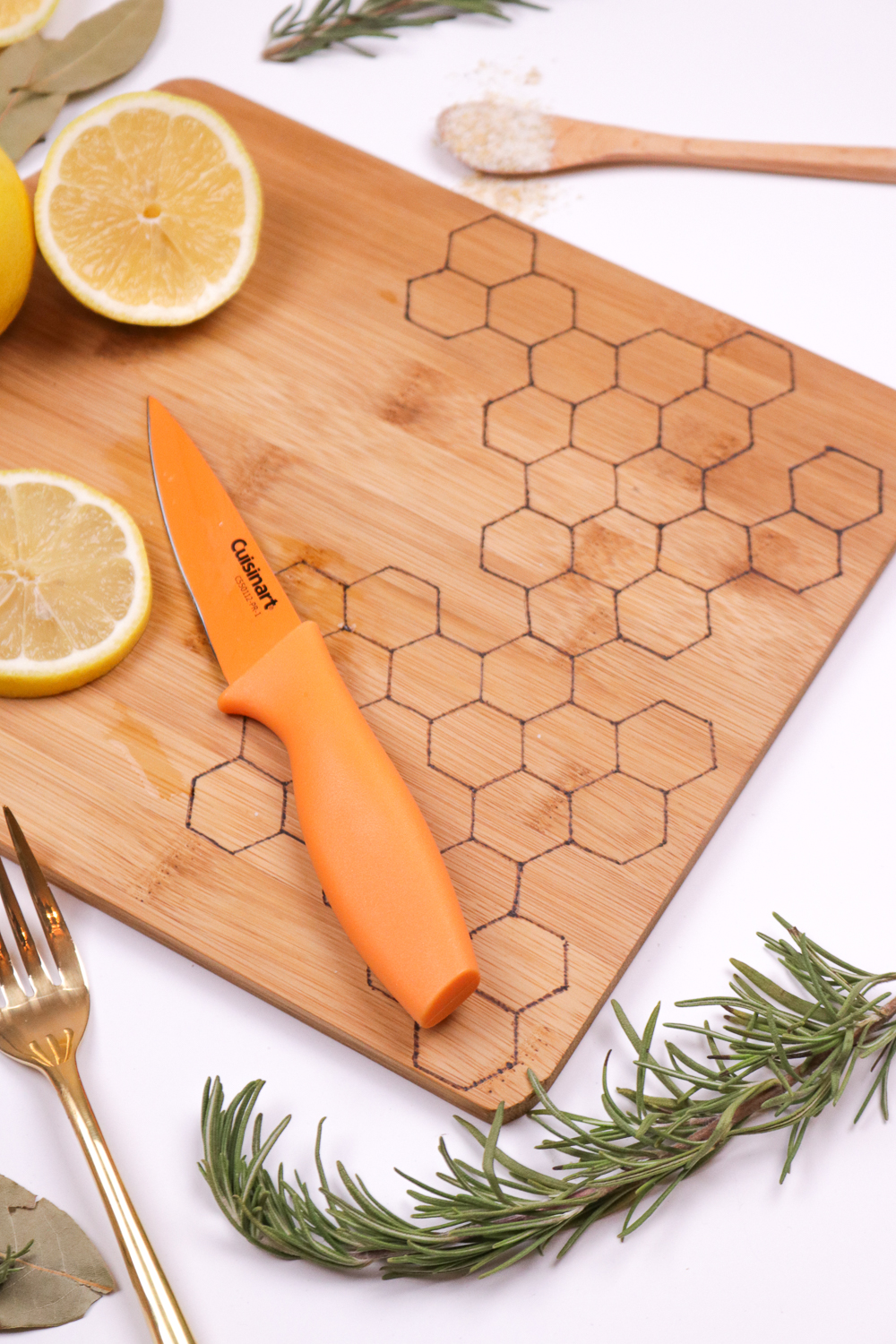 diy-honeycomb-wood-burned-cutting-board-4