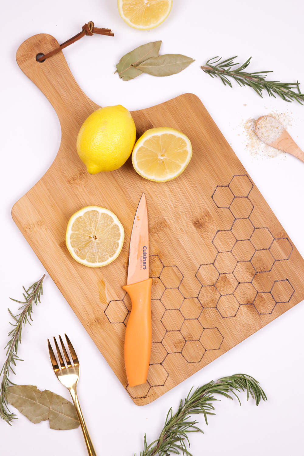 diy-honeycomb-wood-burned-cutting-board-5