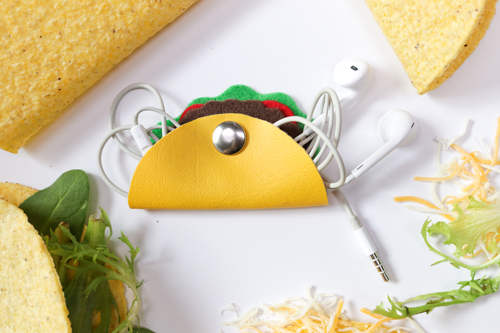 DIY Taco Headphone Organizer | Club Crafted