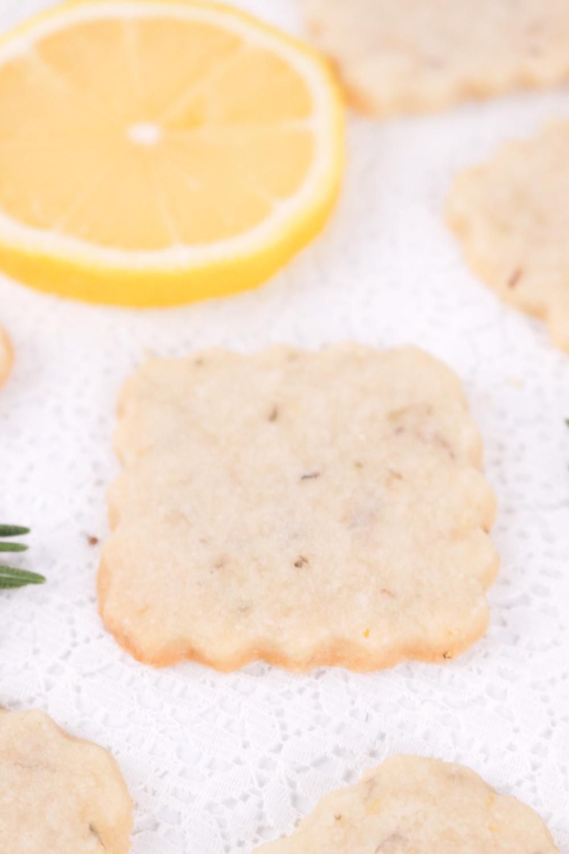 Lemon Rosemary Shortbread Cookies | Club Crafted