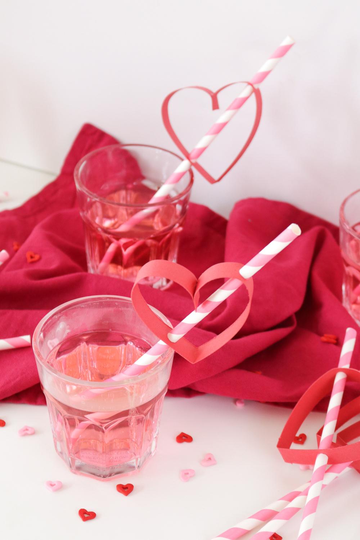 Valentine's Day: DIY Heart Straws   Club Crafted