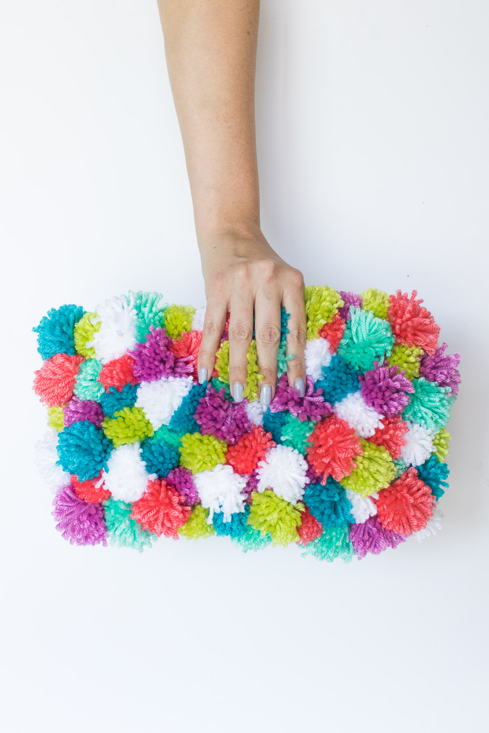 DIY Pom Pom Clutch | Club Crafted