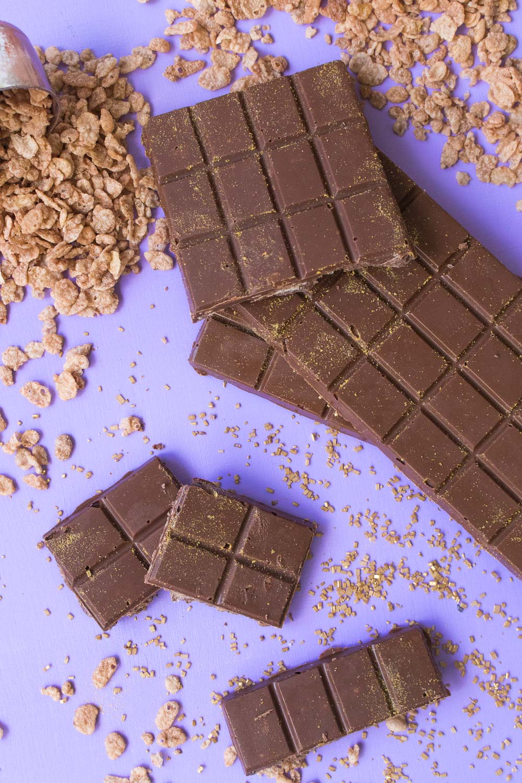 Spicy Cinnamon Crunch Chocolate Bars | Club Crafted