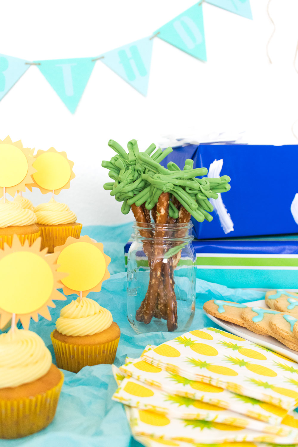 Celebrating with a Summer Dessert Table | Club Crafted