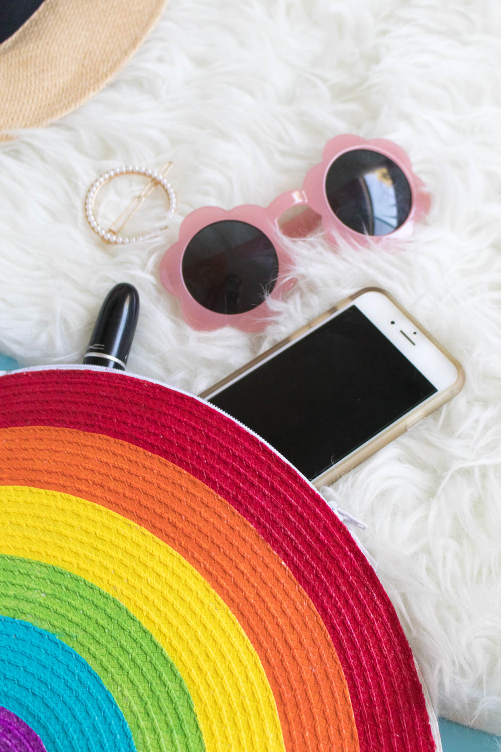 DIY Rainbow Clutch | Club Crafted