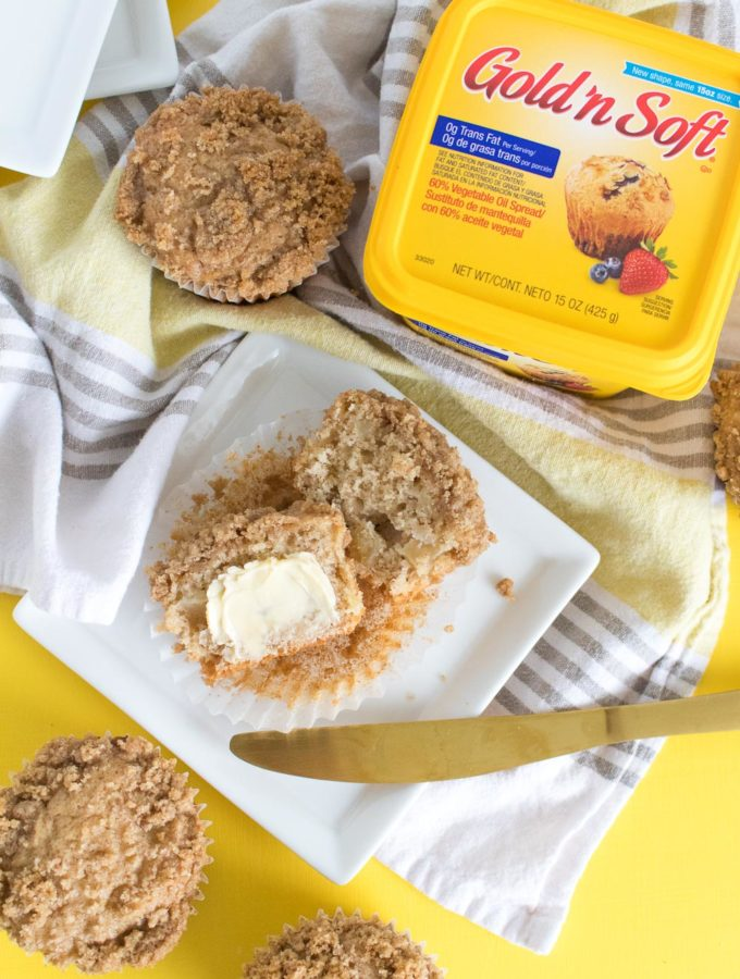 Apple Crumb Muffins Recipe | Club Crafted