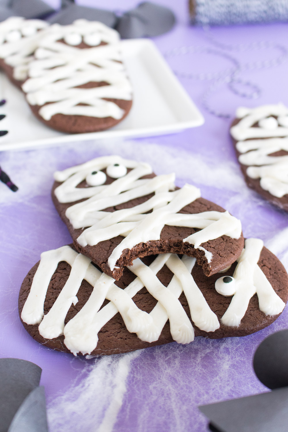 Chocolate Mummy Cookies for Halloween! (Cake Batter Cookies) | Club Crafted