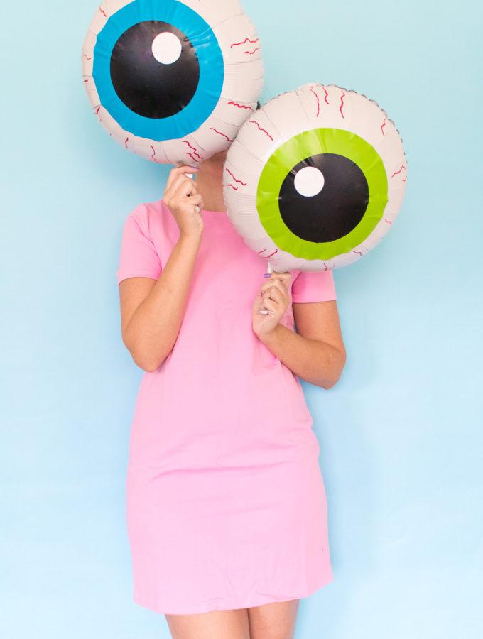 DIY Eyeball Balloons for Halloween