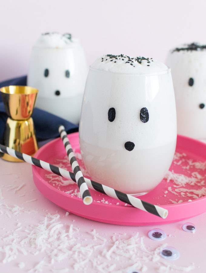 DIY Ghost Glasses + a Ghostly Cocktail | Club Crafted