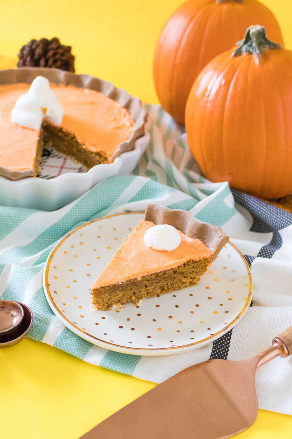 Pumpkin Pie Cake | Club Crafted