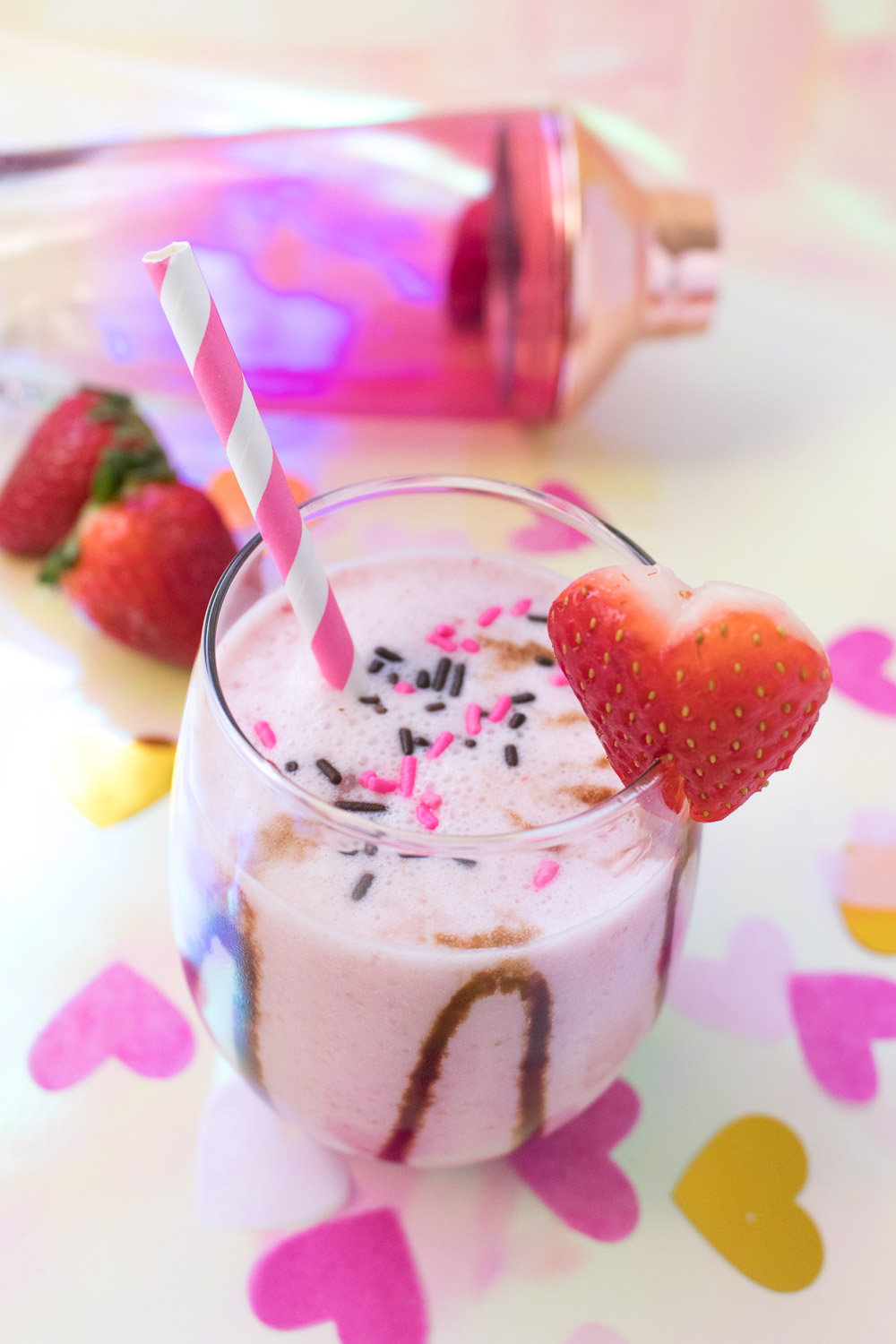 Chocolate Covered Strawberry Cocktail for Valentine's Day | Club Crafted