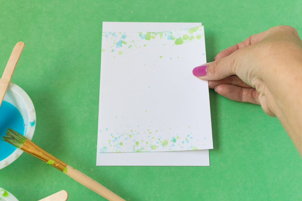 DIY Kool-Aid Splattered Stationary | Club Crafted