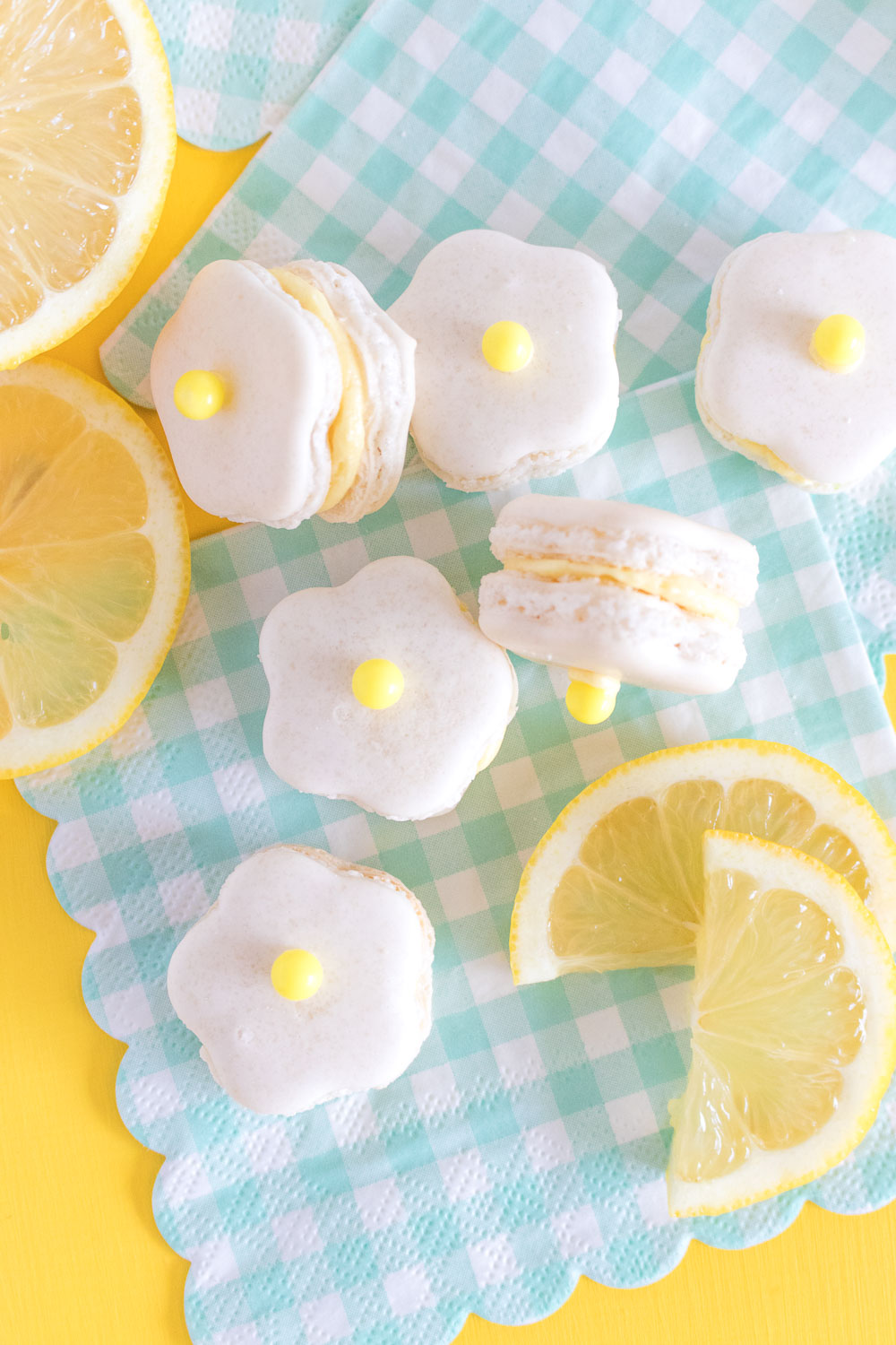 Flower Power! Lemon Daisy Macarons | Club Crafted