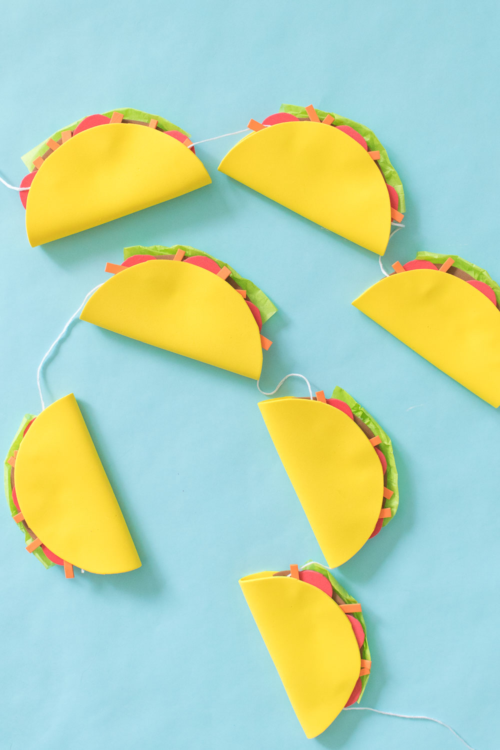 DIY Simple Taco Banner for a Cinco de Mayo Party! | Club Crafted