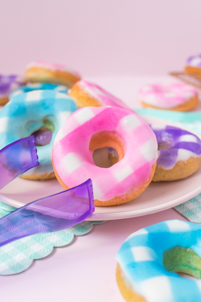 How to Make Gingham Donuts   Club Crafted