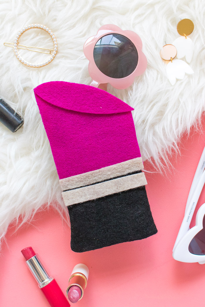 DIY Lipstick Sunglasses Case | Club Crafted