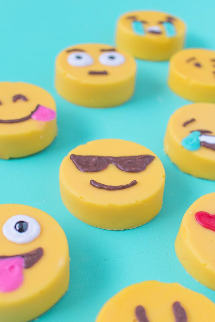Emoji Fudge   Club Crafted