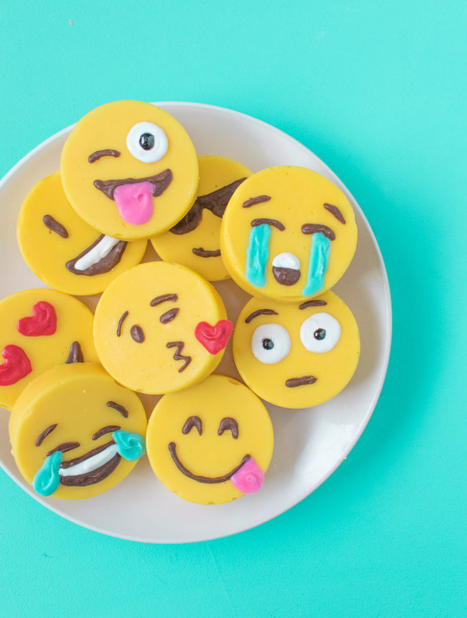 Emoji Fudge | Club Crafted