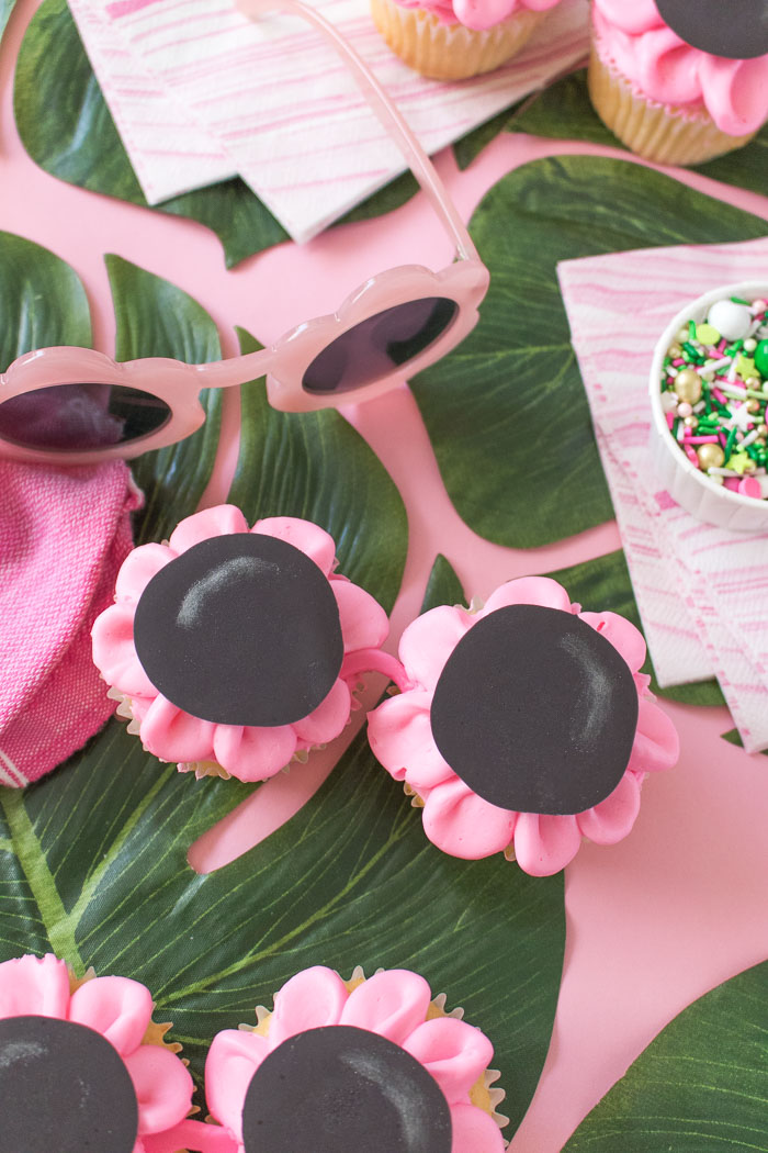 Floral Sunglasses Cupcakes | Club Crafted