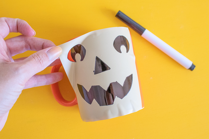DIY Easy Jack-O-Lantern Mug (+ Free Template!) | Club Crafted