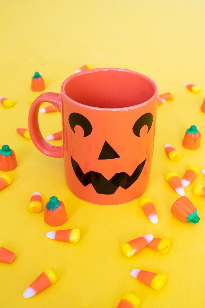 DIY Easy Jack-O-Lantern Mug (+ Free Template!) | Club Crafted