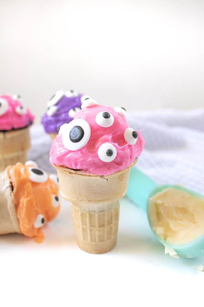EYEscream Cone Cupcakes | Club Crafted