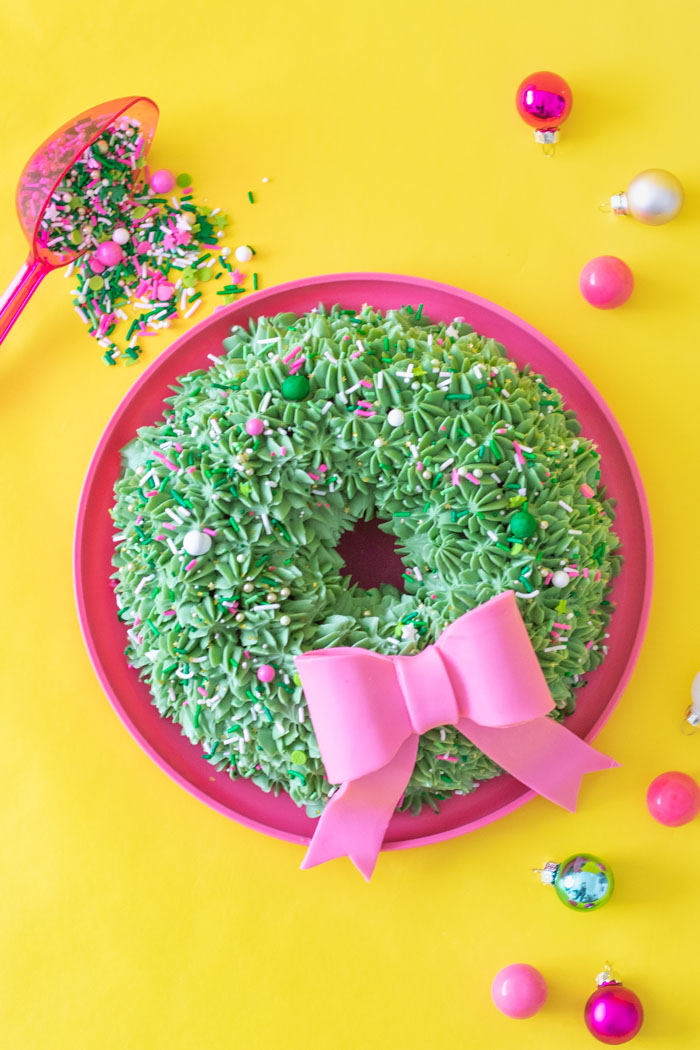 Simple Wreath Bundt Cake for Christmas | Club Crafted
