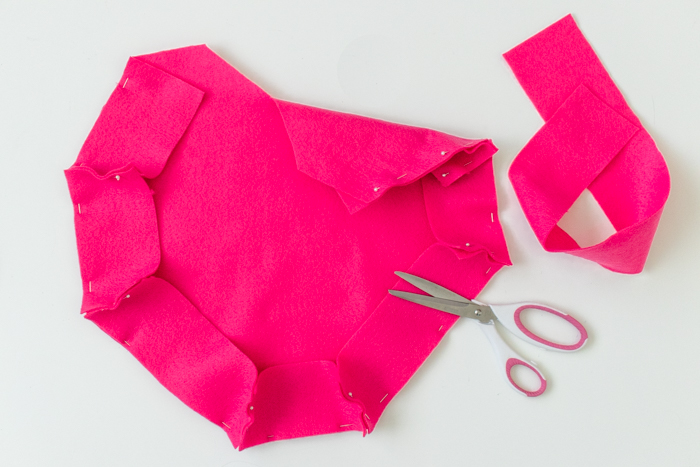 DIY Felt Heart Tote Bag for Valentine's Day   Club Crafted