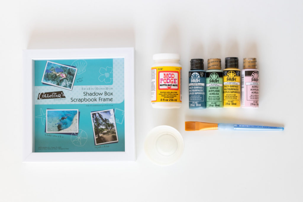 DIY Fluid Painted Marbled Tray from a Photo Frame | Club Crafted
