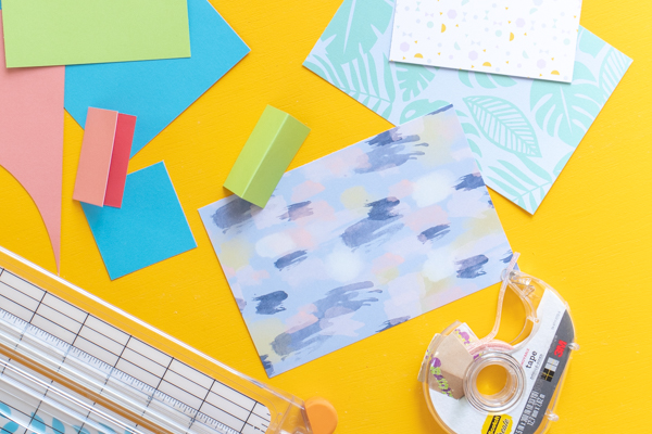 How to Make Recipe Card Dividers // Use patterned paper to make simple dividers in a recipe box (plus download these free printable recipe cards!) // #papercrafts #freeprintable #recipecards #organization