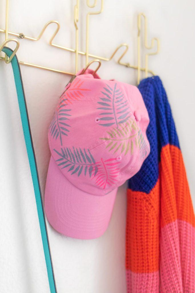 DIY Palm Leaf Baseball Cap Makeover //