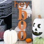 """Hey Boo"" Punny Halloween Sign"