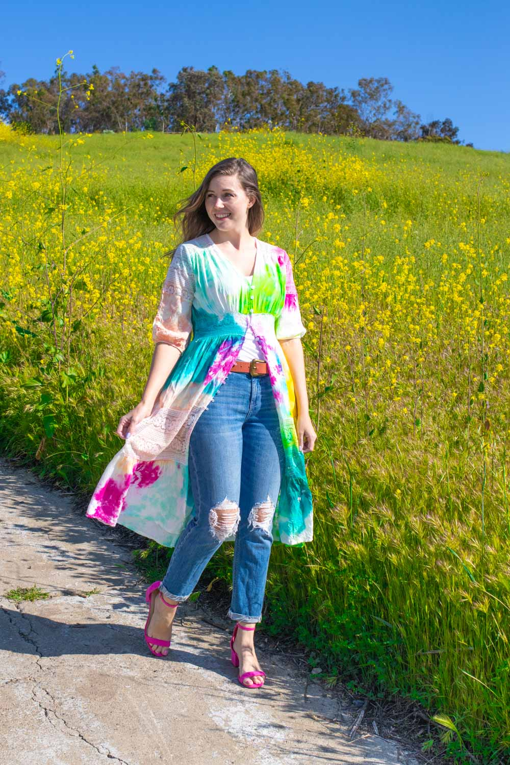 woman wearing colorful kimono diy with tie dye pattern